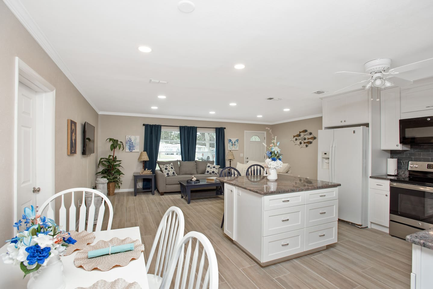 Clearwater 2BR/2BA Pool Home with Day Room - Houses for Rent in ...