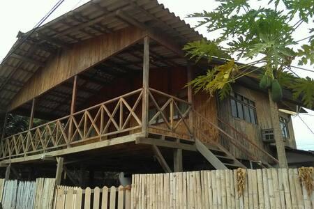 Casa de Playa en San Jacinto-Manabi-Ecuador