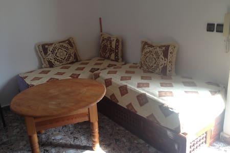 Petit appartement à 50m des plages - M'diq - Квартира