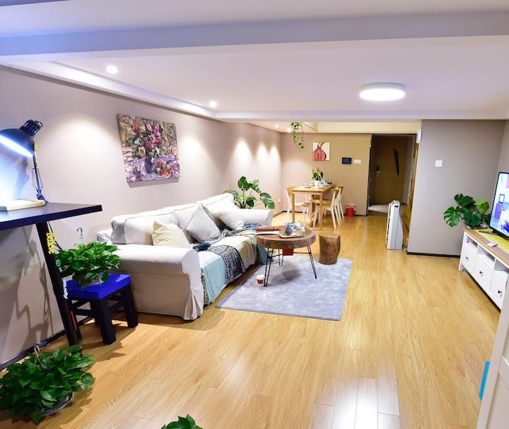 @杰西卡@ 轻奢Loft公寓 紧邻阿里巴巴、海创园、亲橙里,梦想小镇,未来科技城核心商圈,个性简约风