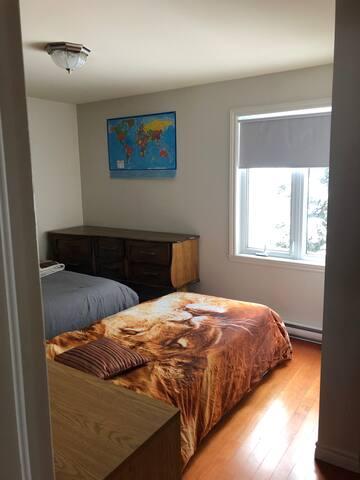possibilité d'avoir un deuxième lit simple mais il est optionnel