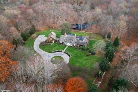 20 Acre Estate - 1 Hour from NYC - Easton - Dom