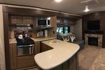Cozy RV camper in heart of Fort Walton Beach
