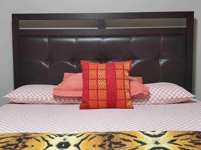 queen bedroom in Jenks Top neighborhood