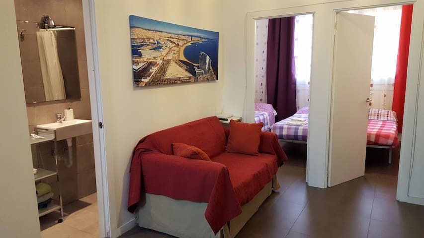 Cosy 2 bedrooms near subway station - Barcelona - Appartement