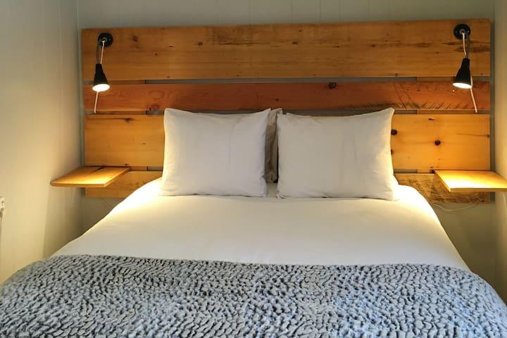 Pinewood Inn's Cozy Suites