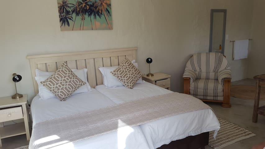 Afrovibe Beach House - Twin Room - Sedgefield - Guesthouse