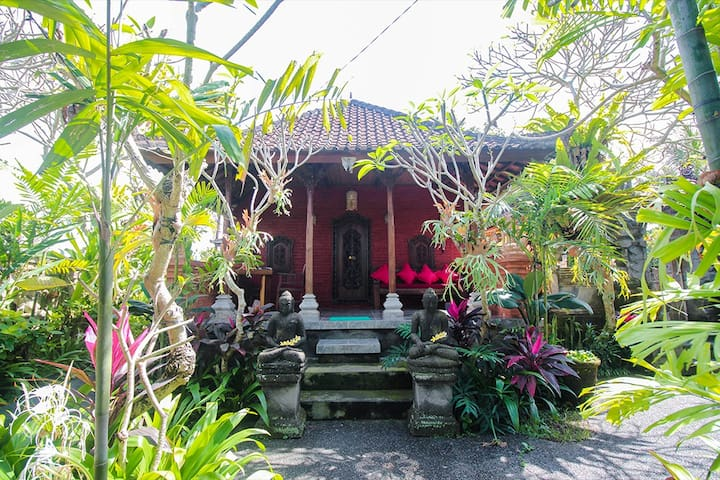 Bali Local Family Guest House