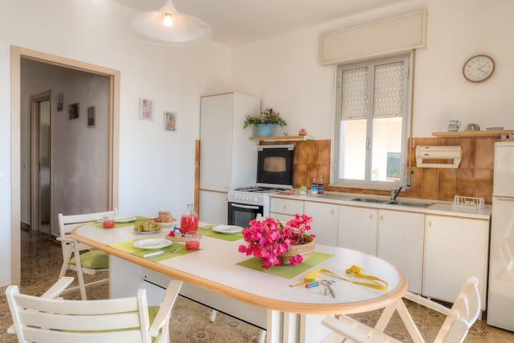 Appartamento Frontemare, Urano - Cava D'aliga - Apartamento