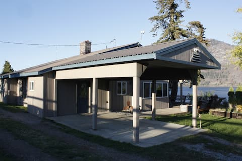 Lake Pend Oreille big home on scenic horse ranch