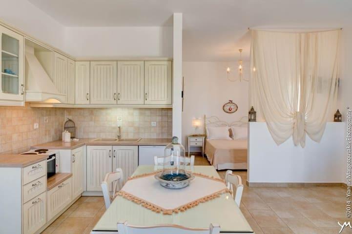 Opalio Apartments III