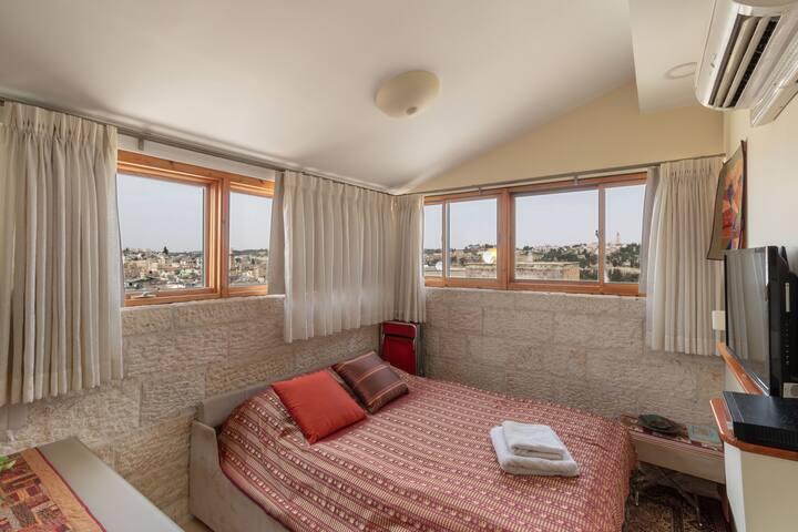 Old Jerusalem cozy vacation rental