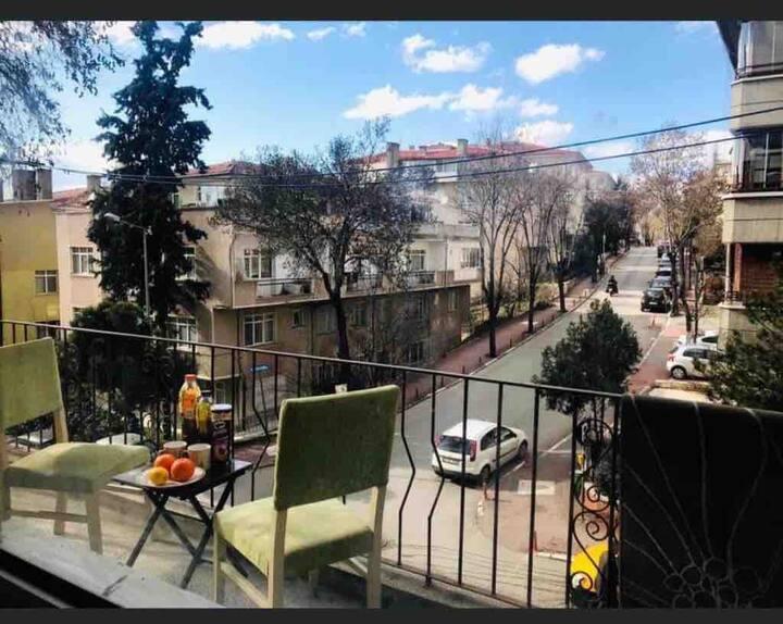 Private SIngle Bedroom - 5 mins from Esat Caddesi