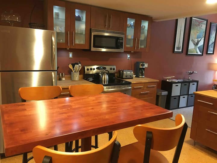 Unbeatable condo/host in the heart of Portsmouth