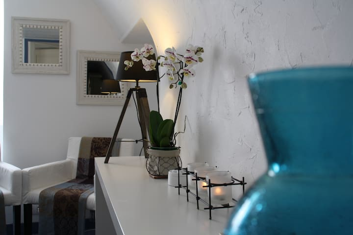 "Near Sarlat,pretty bedroom bed 5'3"" - Saint-Cybranet"