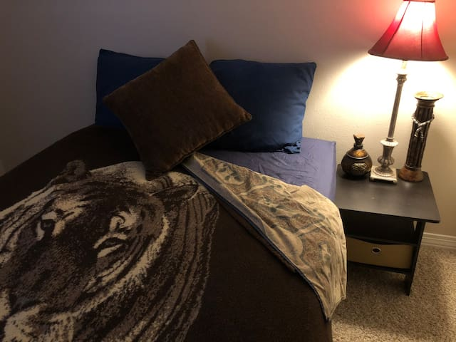 Tiger Strength - Full Size Private Bed, WiFi, & TV