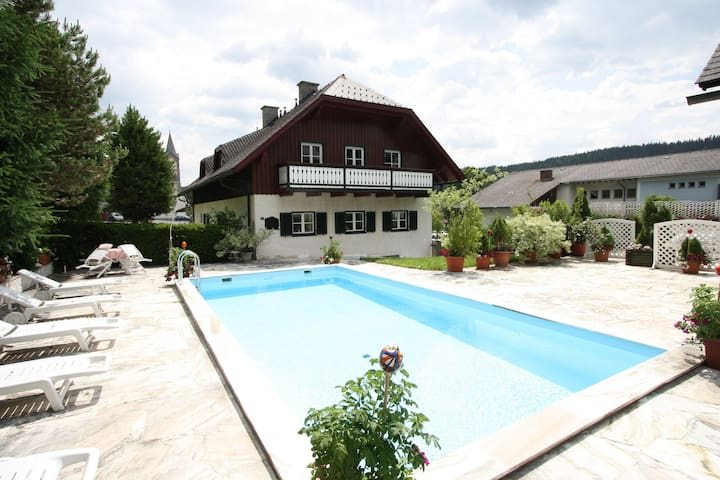 Charming Apartment with Swimming Pool and Sauna in Styria