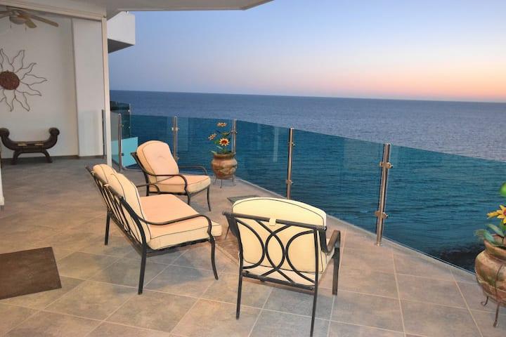 Luxury Beach Condo Stunning Views