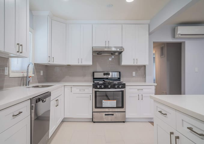 Clean Remodeled 2BD2BA in Alhambra 15 mins to DTLA