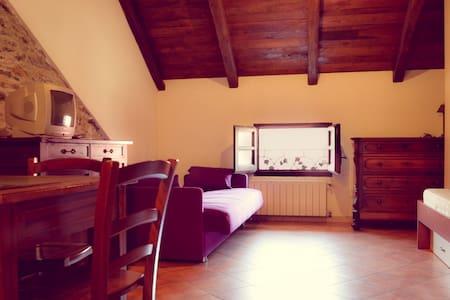 Romantica mansarda d'epoca Albenga - Ortovero