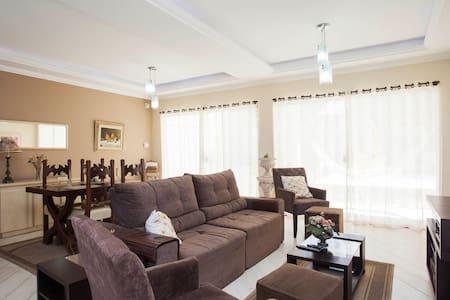 Casa luxo  Araruama/Região Lagos/RJ - Araruama