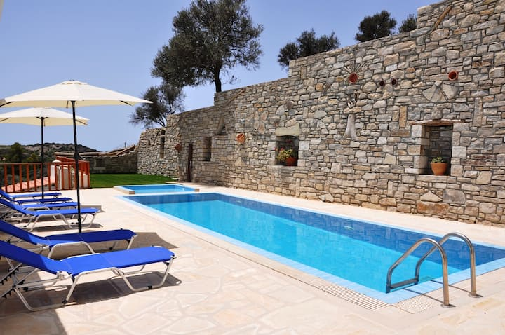 Villa Leonidas, heated pool near to matala