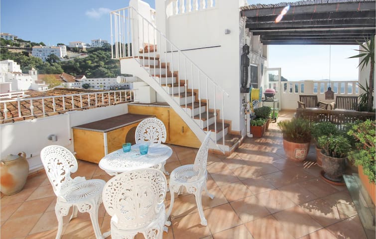 Terraced house with 2 bedrooms on 150m² in Casares