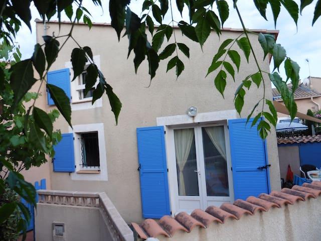 Villa 4 personnes à 400m à pied de la plage - Portiragnes - วิลล่า