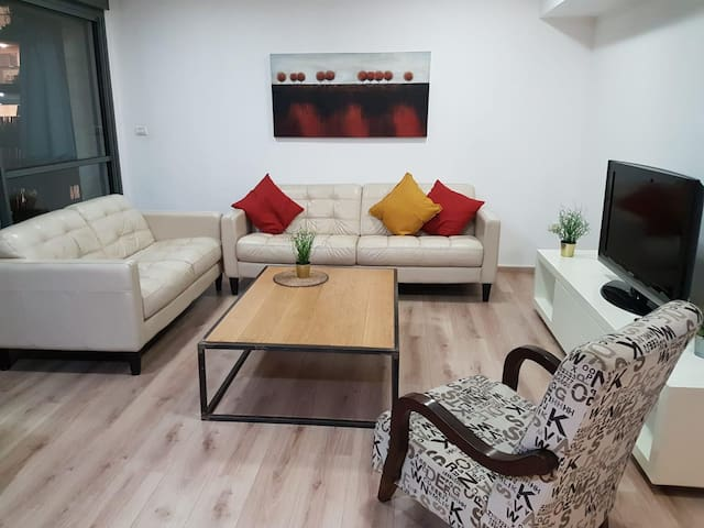 A beautiful  lighten Apt' in New Ramat Aviv