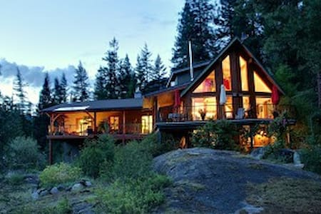 Pass Creek Bed & Breakfast Lodge