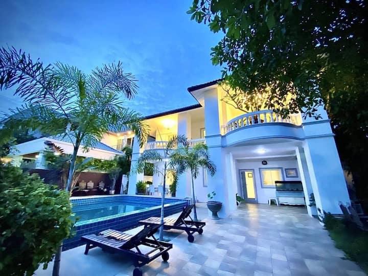central Pattaya,modern style villa,7BR,16+ppl