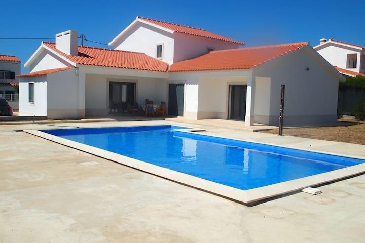 Vivenda moderna com 4 quartos perto - Aljezur - Villa
