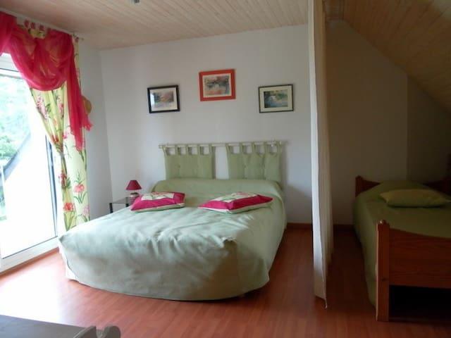Chambre hôtes familiale 12 km N/E de Rennes - Chasné-sur-Illet - Rumah Tamu