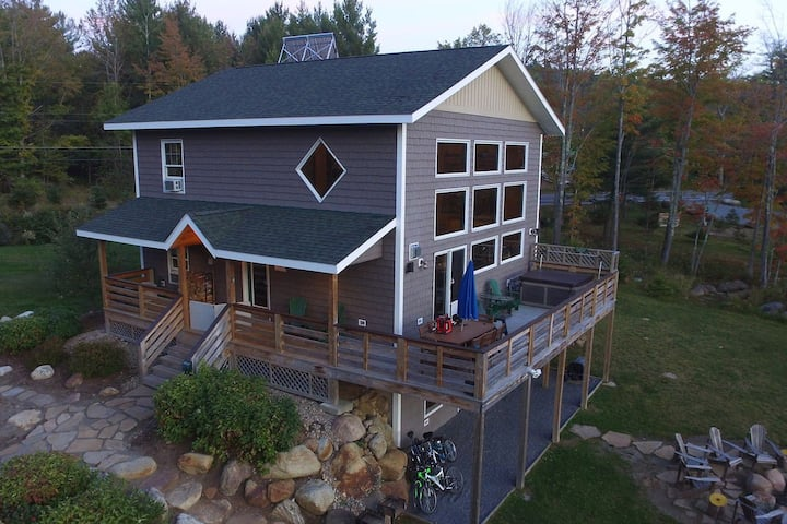 Hot Tub, Sauna, Fireplace, A/C, Dog Friendly, 1.9 mi to Whiteface, Mt. View: LMC