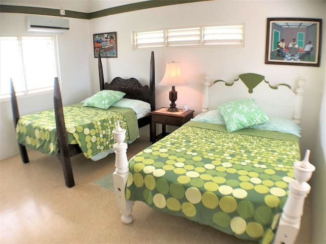WALK TO BEACH IN MINUTES! COOK/MAID! POOL! CASUAL JAMAICA -Miss Ps Place- 1BR
