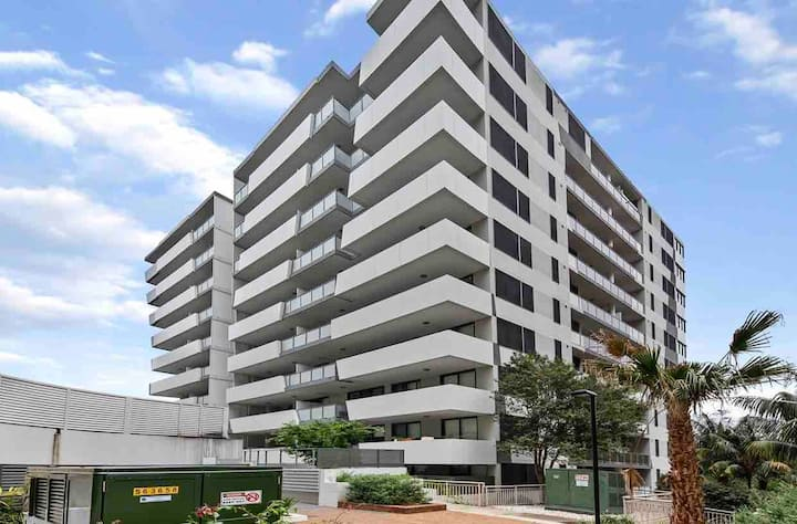 Cosy 2BR Apt step to Westfield &Train Hornsby