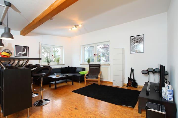 Stylish 3 Bedroom Apartment - Nürnberg - Daire