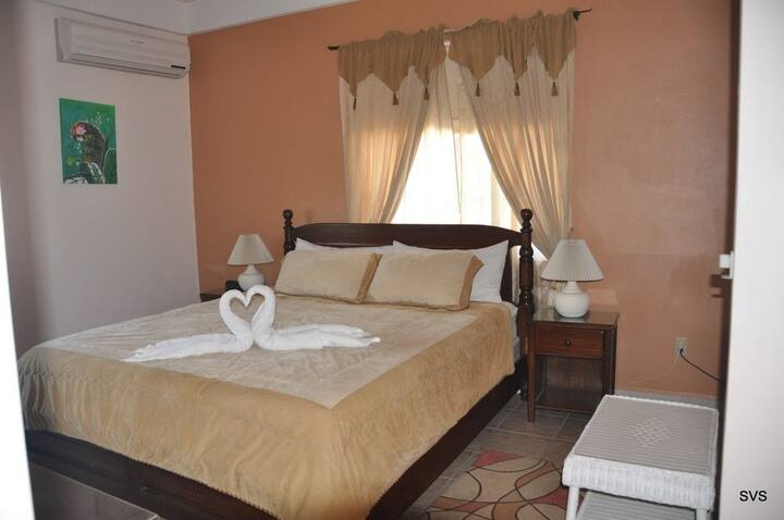 Sea View Suites- King Bed #1