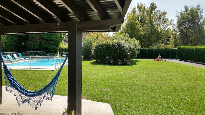 Nearby Biarritz, beautiful family home, 5/6 ch, swimming pool, garden
