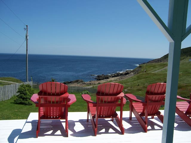 Oceanside Suites - Pouch Cove - Huis