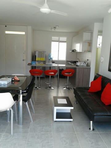 Apartamento con piscinas, AQUALINA ORANGE