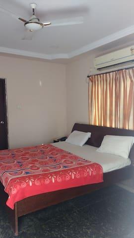 Serene room with BnB - Visakhapatnam - Maison