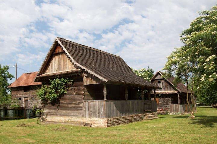 Ethno Village Stara Lonja (House 3) - Lonja - Casa