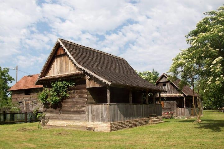 Ethno Village Stara Lonja (House 3)