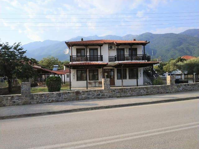 ZIDORON HOUSE LAKE KERKINI