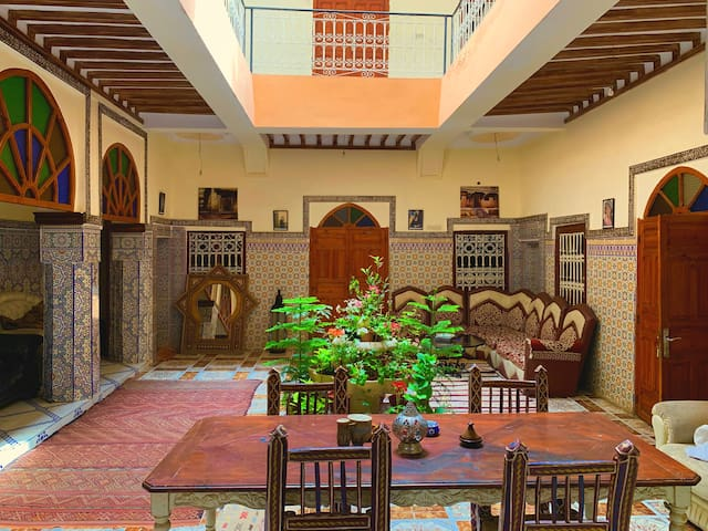 Private room (1 big double bed) in Riad itry