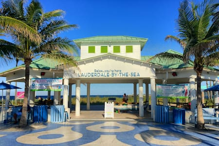 Charming Condo Short Walk to Beach - Lauderdale-by-the-Sea