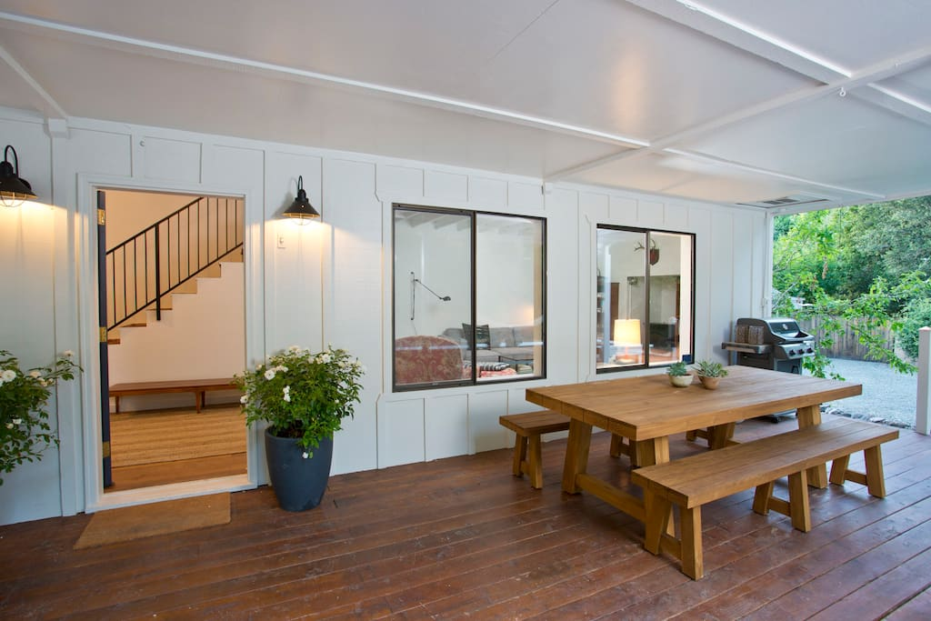 Modern farmhouse — lots of room for everyone to be at home