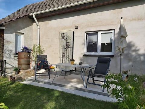 Ferienwohnung mit Terrasse & Gartenblick