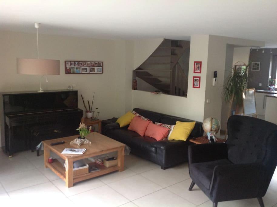 maison 10 mn lille au pied parc16 h h user zur miete in villeneuve d 39 ascq hauts de france. Black Bedroom Furniture Sets. Home Design Ideas